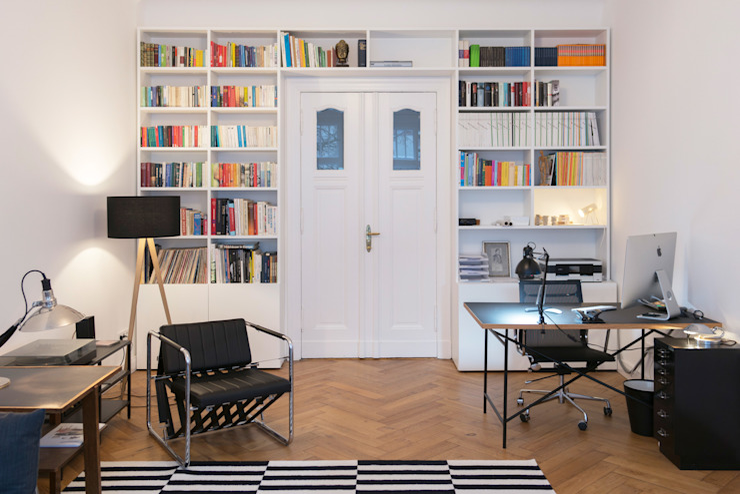de estilo  por GANTZ - Regale und Einbauschränke nach Maß, Moderno Derivados de madera Transparente