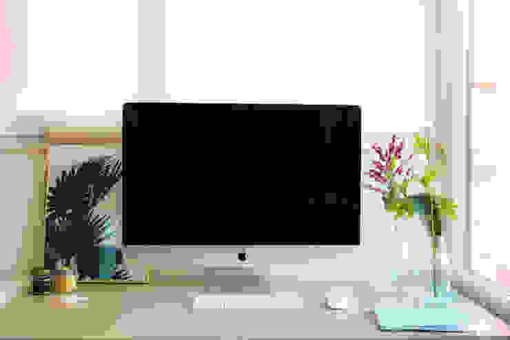 Mesa de escritório por Rima Design Moderno