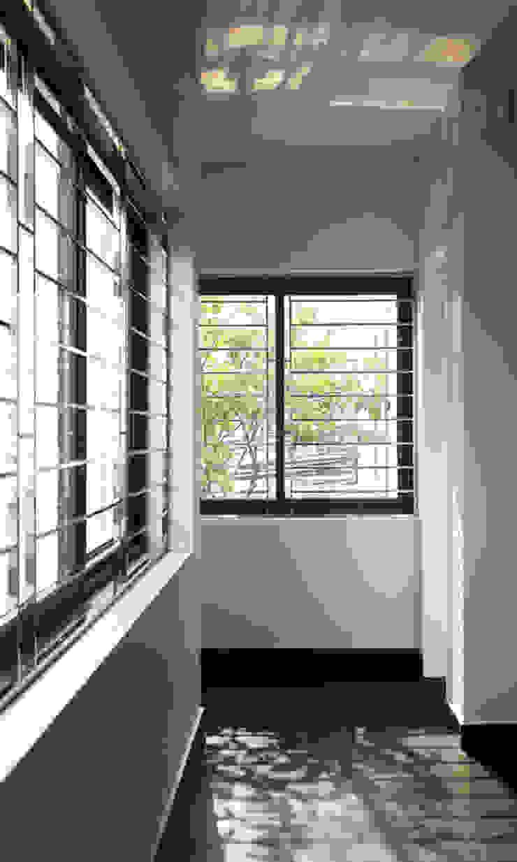 Không gian ngôi nhà sáng bừng nhờ ánh nắng tự nhiên. bởi Công ty TNHH TK XD Song Phát Châu Á Đồng / Đồng / Đồng thau