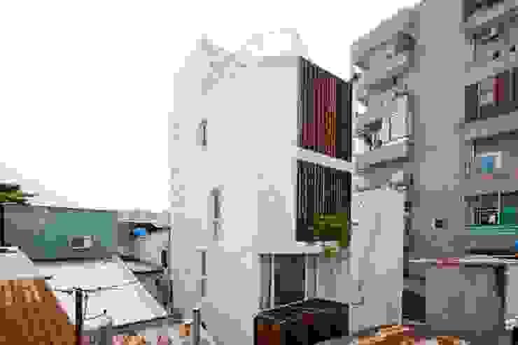 Casas modernas de Công ty TNHH Xây Dựng TM – DV Song Phát Moderno