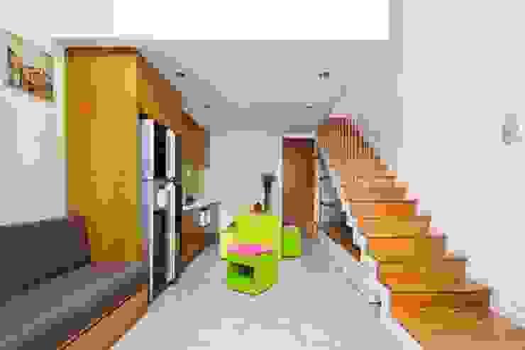 Modern Living Room by Công ty TNHH Xây Dựng TM – DV Song Phát Modern