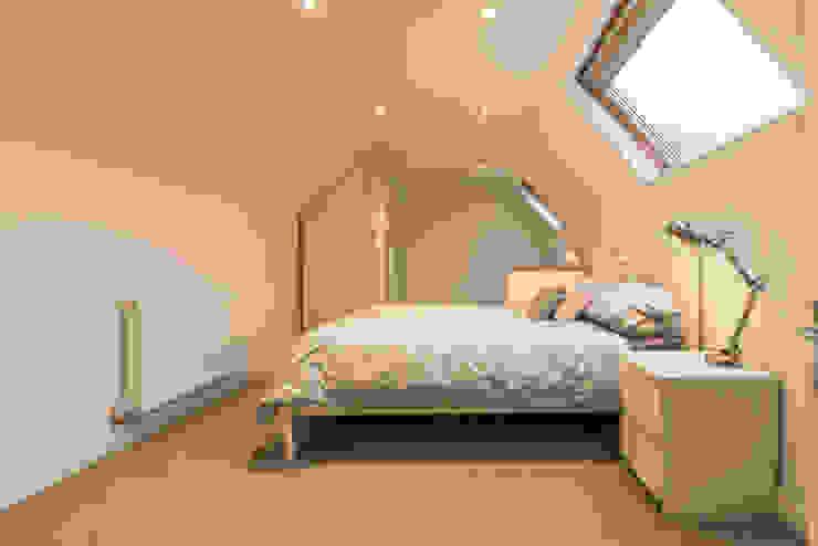 Oak framed extension modernises a detached bungalow by John Gauld Photography Modern
