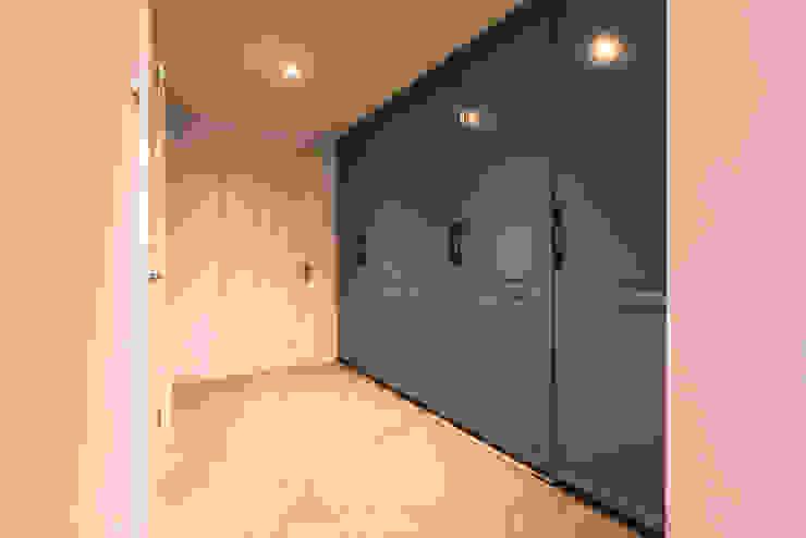 Oak Framed extension Modern dressing room by John Gauld Photography Modern