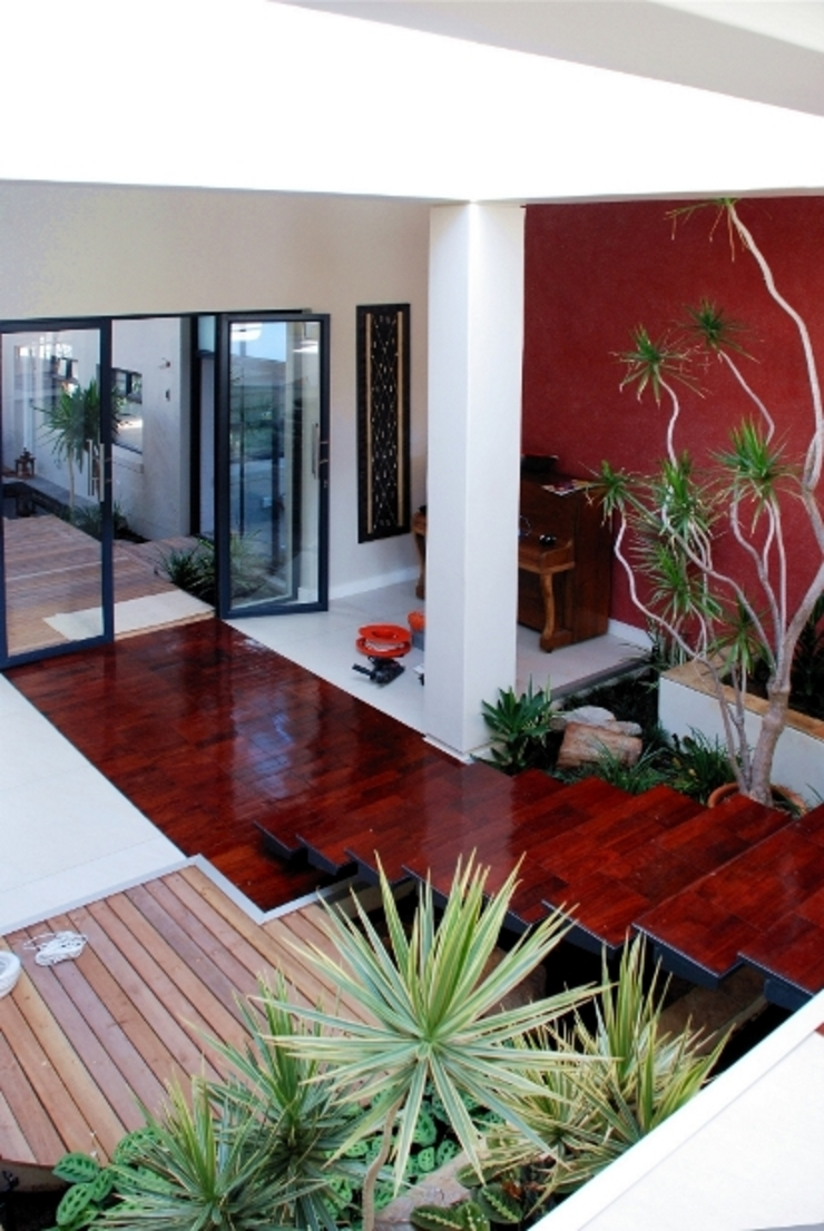 Renovations to House Crawse Modern Corridor, Hallway and Staircase by The Matrix Urban Designers and Architects Modern