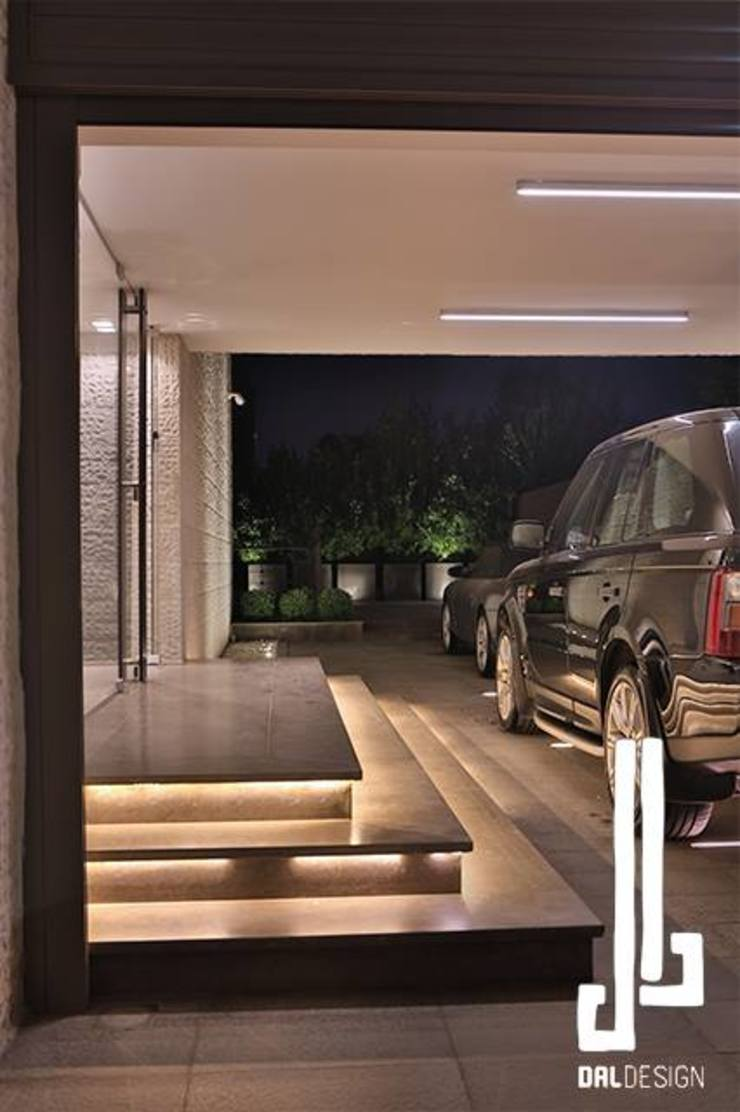 Nassars Private Villa Modern Garage and Shed by dal design office Modern