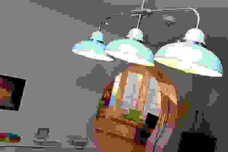 Ceiling light Comedores eclécticos de Roundhouse Architecture Ltd Ecléctico Metal