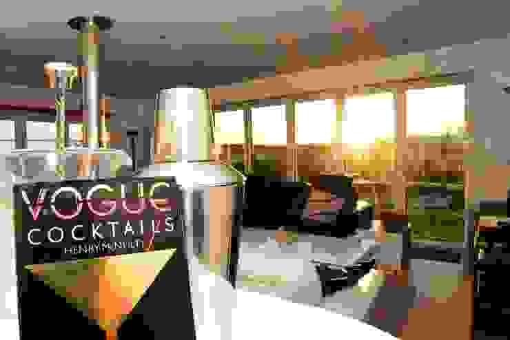 Cocktails at sunset Salones eclécticos de Roundhouse Architecture Ltd Ecléctico Vidrio