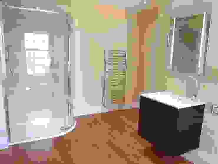 Luxury Bathroom Baños de estilo moderno de DeVal Bathrooms Moderno