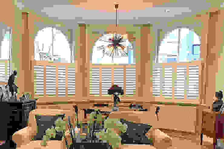 Cafe Style Shutters in the Living Room Plantation Shutters Ltd Ruang Keluarga Klasik Kayu White