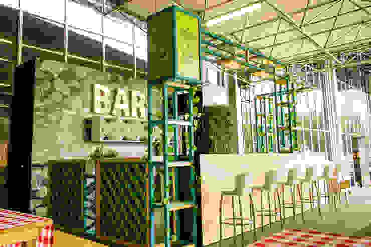 BAR - FERIA DE DISEÑO 2017:  de estilo industrial por zyxcolectivoarquitectonico, Industrial