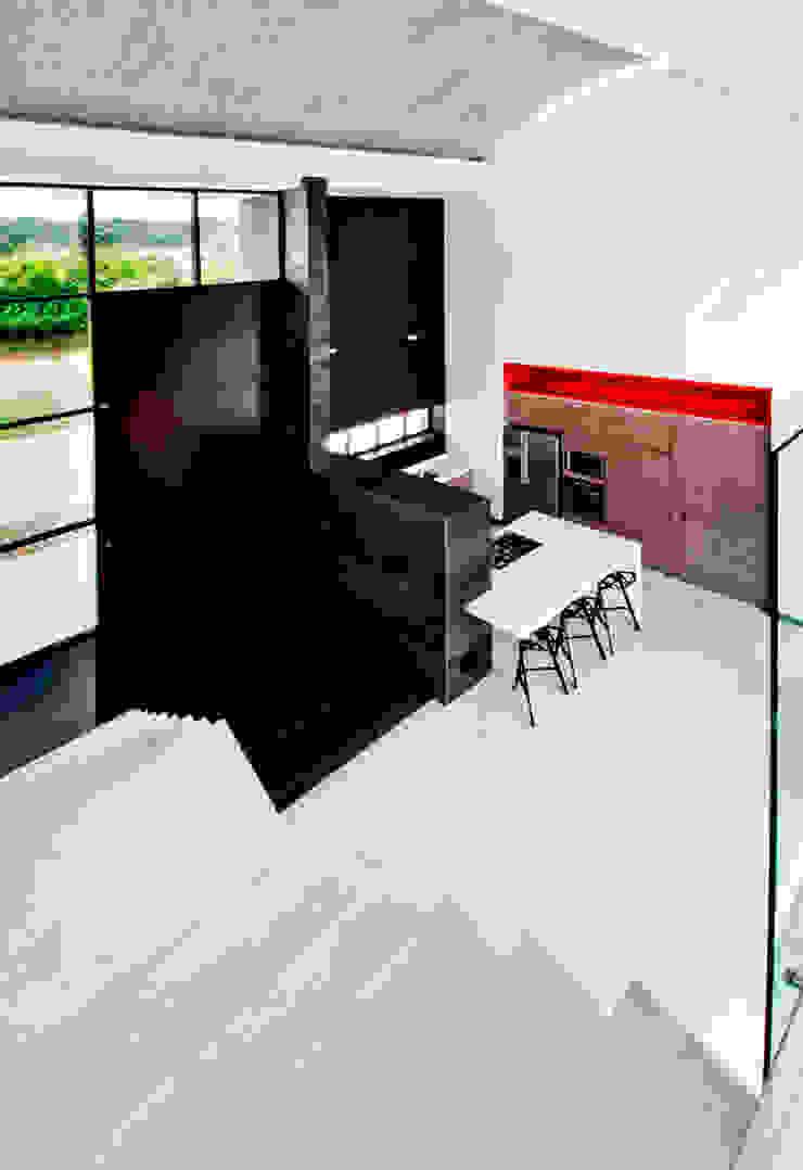 CASA – EL RETIRO ANTIOQUIA - Cocinas modernas de FR ARQUITECTURA S.A.S. Moderno