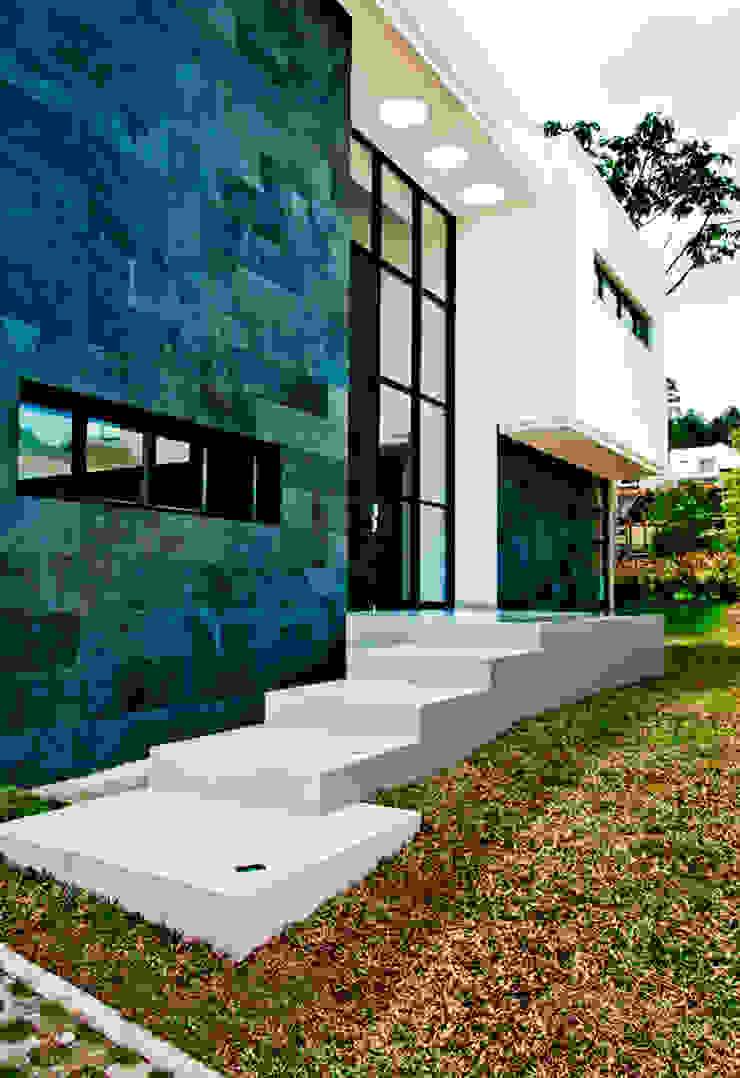 CASA – EL RETIRO ANTIOQUIA - Casas modernas de FR ARQUITECTURA S.A.S. Moderno