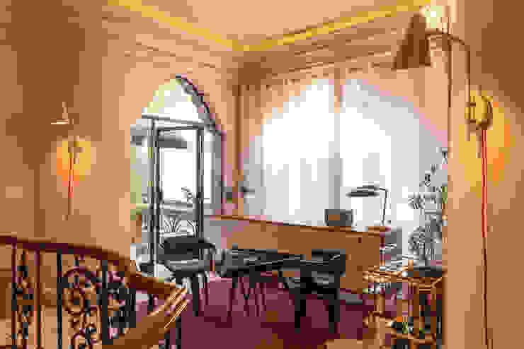 Hotel Pug Seal - Germán Velasco Arquitectos Pasillos, vestíbulos y escaleras modernos de Germán Velasco Arquitectos Moderno