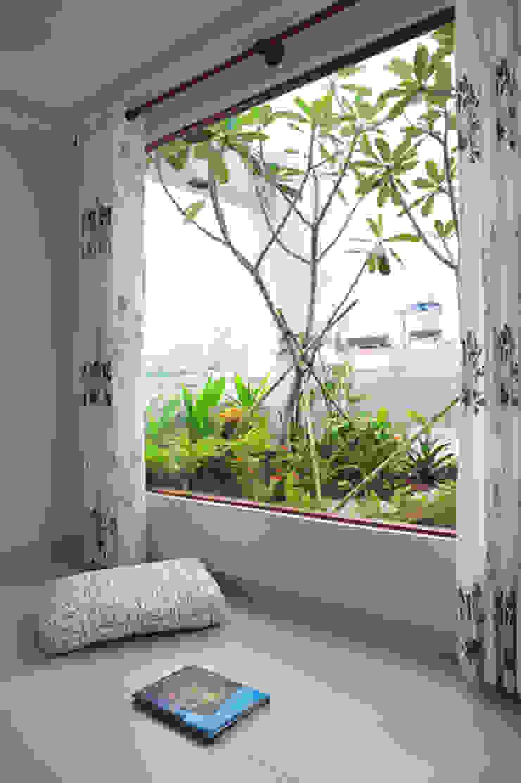 Modern balcony, veranda & terrace by Công ty TNHH Xây Dựng TM – DV Song Phát Modern