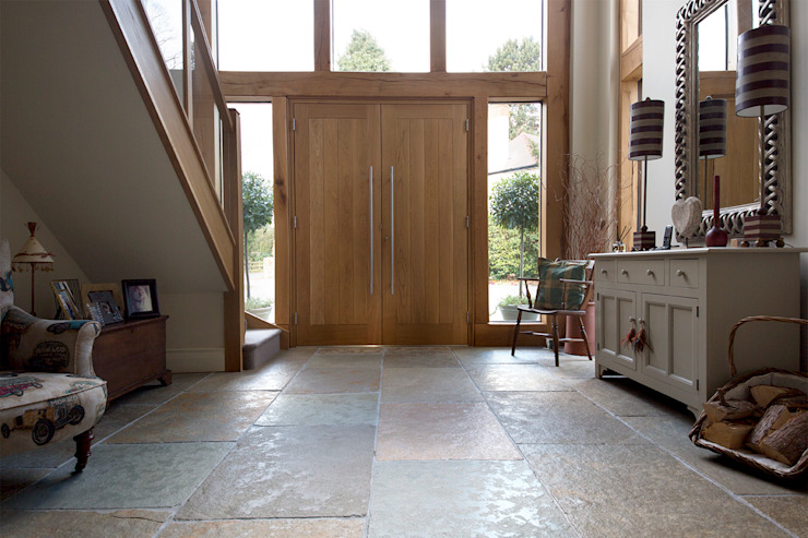 A Beautiful Entrance: Umbrian Limestone Rustic style corridor, hallway & stairs by Quorn Stone Rustic Limestone