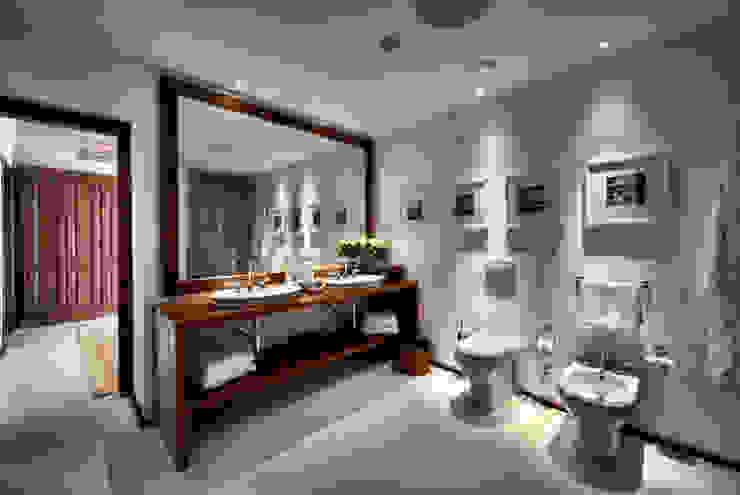 Salle de bain moderne par COVERMAX RESINE Moderne