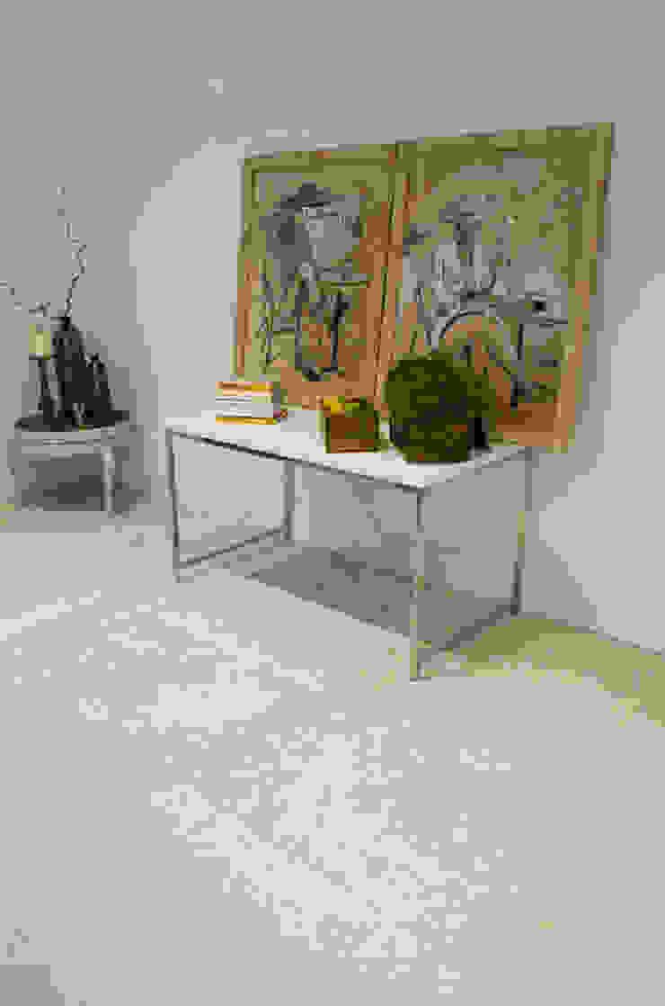 Contempoary Home: Florence Limestone Quorn Stone Modern corridor, hallway & stairs Limestone
