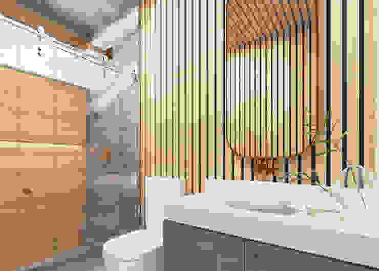 Casa LA Daniela Andrade Arquitetura Banheiros modernos