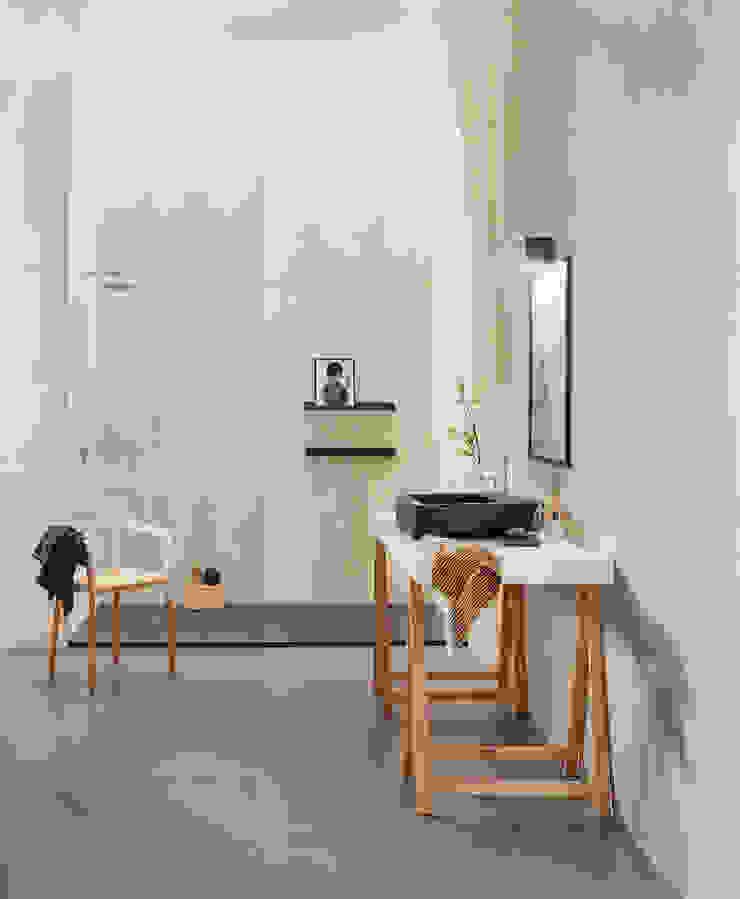 Urban Love Tiles Casas de banho ecléticas