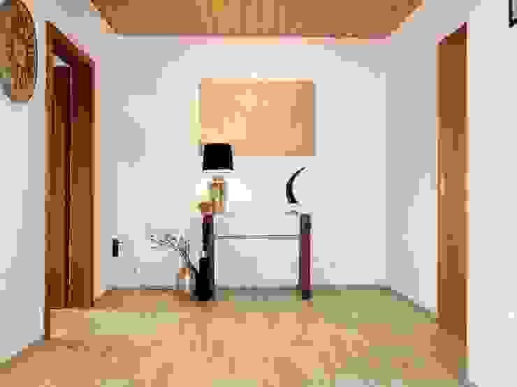 Modern Corridor, Hallway and Staircase by Heimvorteil Homestaging Modern
