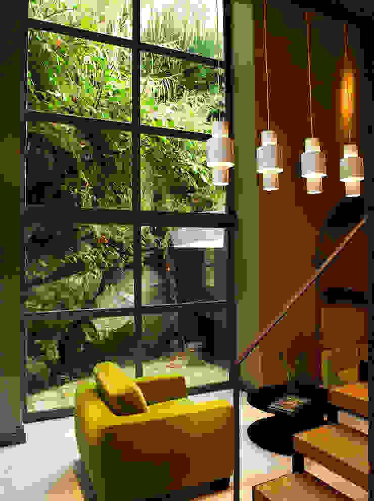 Casa das Caldeiras Salas de estar industriais por Carlos Mota- Arquitetura, Interiores e Design Industrial