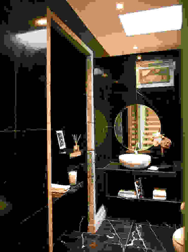 CASA DAS CALDEIRAS / AÇORES Casas de banho modernas por Carlos Mota- Arquitetura, Interiores e Design Moderno