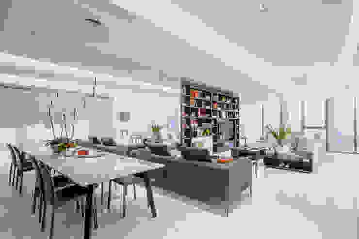 NIVEL TRES ARQUITECTURA Modern living room Marble White