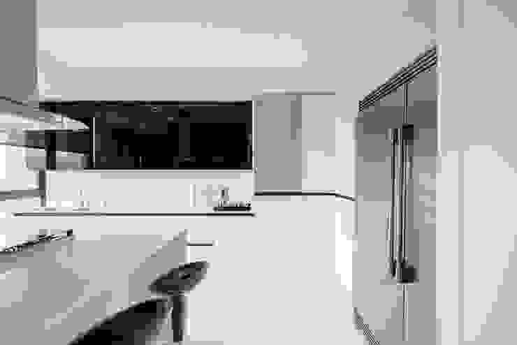 Modern kitchen by NIVEL TRES ARQUITECTURA Modern Quartz
