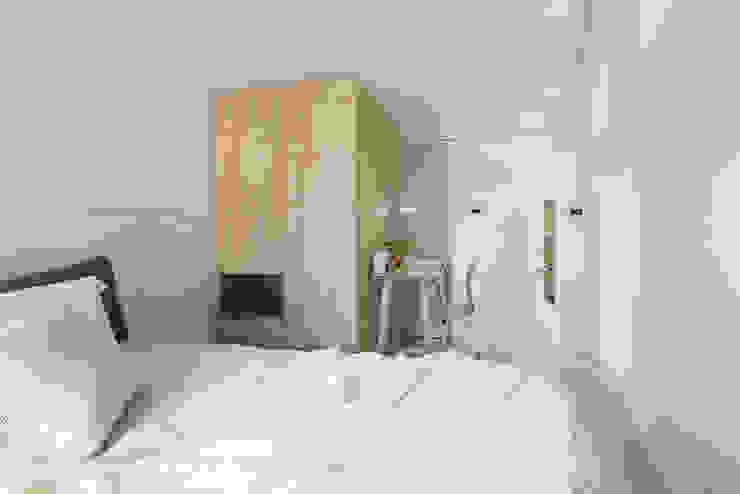 Спальня в стиле модерн от 寓子設計 Модерн