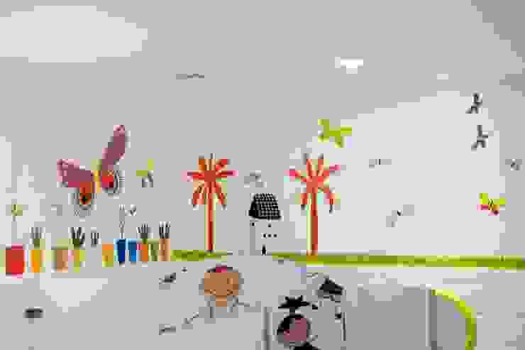 Wall Mural Interior Toilet Anak Oleh Roemah Cantik