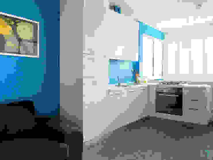 現代廚房設計點子、靈感&圖片 根據 Vale home design 現代風