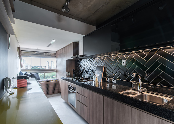 Industrial style kitchen by Débora Vassão Arquitetura e Interiores Industrial