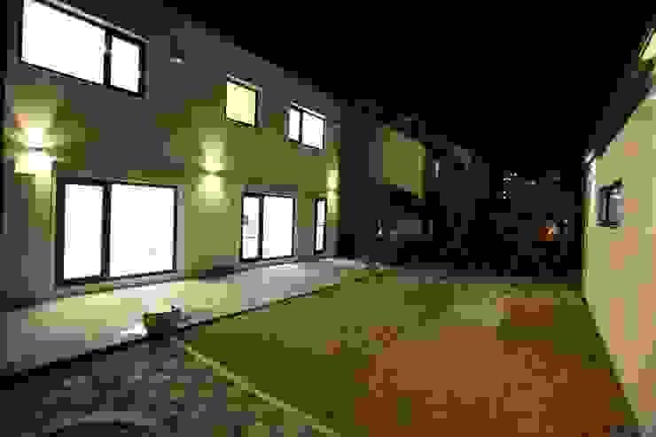 김해시 중목구조 주택 모던스타일 주택 by 블루하우스 코리아 모던