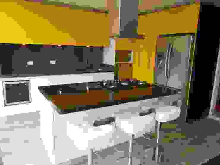 Remodelacion Cocina Sindamanoy -Sopo de Proyectos Modulares Moderno Aglomerado