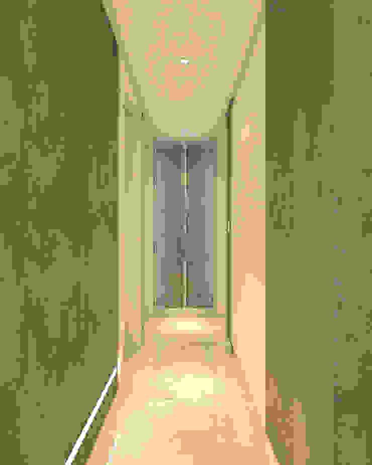 RAFE Arquitetura e Design Minimalist corridor, hallway & stairs Concrete Grey