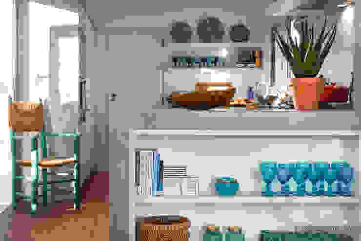 Estante Exterior à Cozinha por Pedro Queiroga | Fotógrafo Clássico