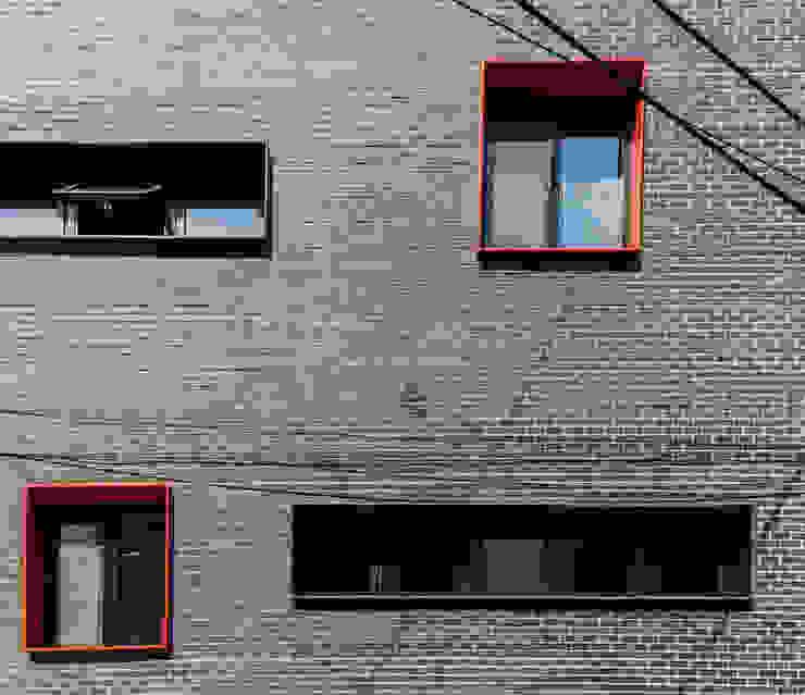 마포구 성산동 근린생활시설 및 단독(다가구)주택 신축공사: 집으로의 현대 ,모던