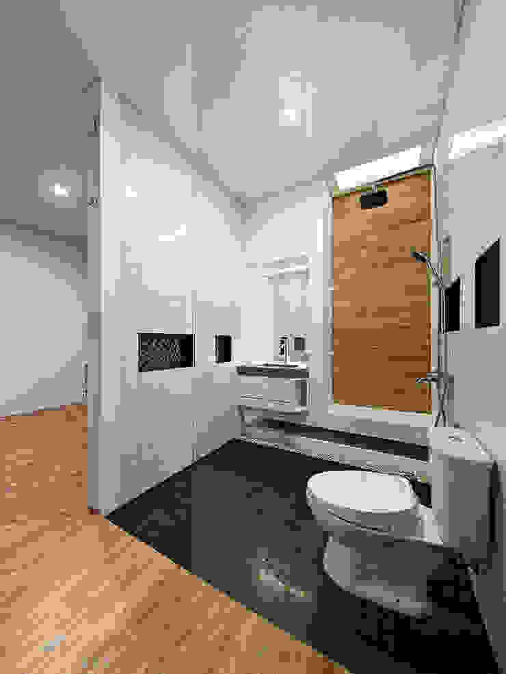 Phòng tắm thứ hai của ngôi nhà Phòng tắm phong cách châu Á bởi Công ty TNHH TK XD Song Phát Châu Á Đồng / Đồng / Đồng thau