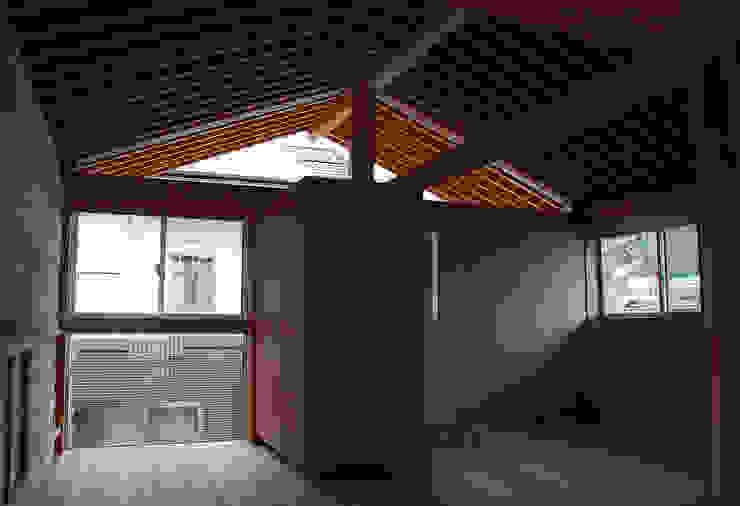 根據 丸菱建築計画事務所 MALUBISHI ARCHITECTS 北歐風 實木 Multicolored