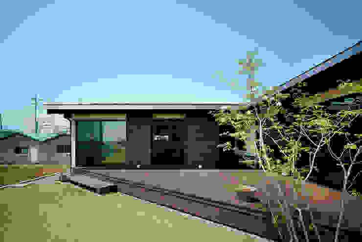 三角テラス アジア風 庭 の H建築スタジオ 和風