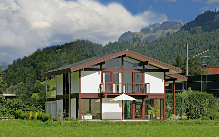 WILDER KAISER – BRIXENTAL 現代房屋設計點子、靈感 & 圖片 根據 DAVINCI HAUS GmbH & Co. KG 現代風