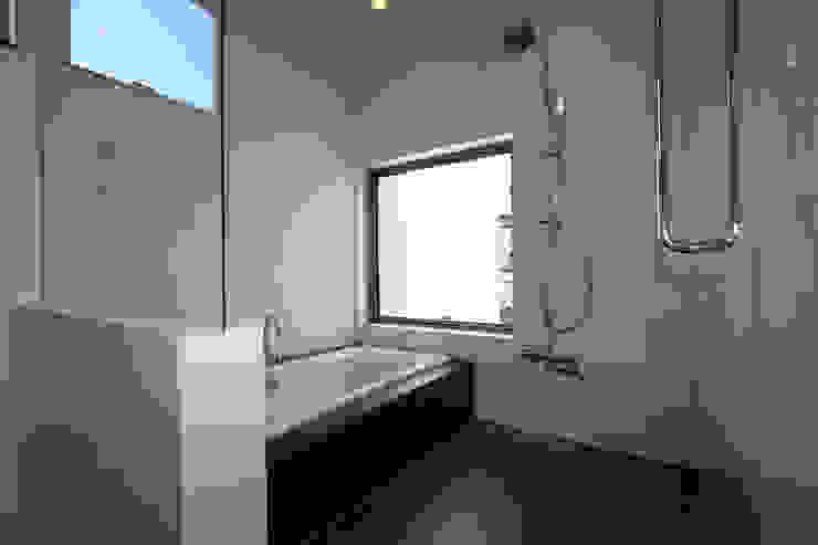 Modern Bathroom by H建築スタジオ Modern