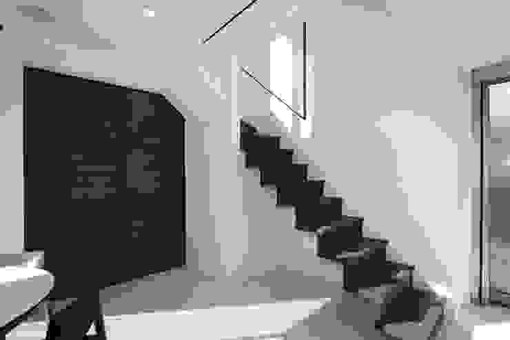 by H建築スタジオ Modern
