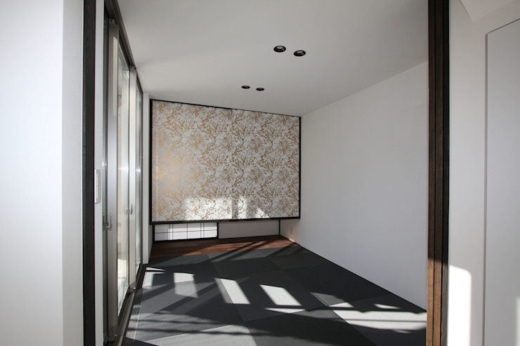 Modern Media Room by H建築スタジオ Modern