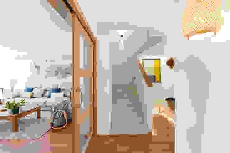 Reforma y Amueblamiento en sótano de vivienda unifamiliar adosada en Tres Cantos de itta estudio Moderno