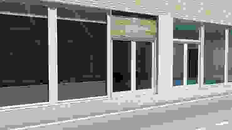 Casas modernas de SHI Studio, Sheila Moura Azevedo Interior Design Moderno