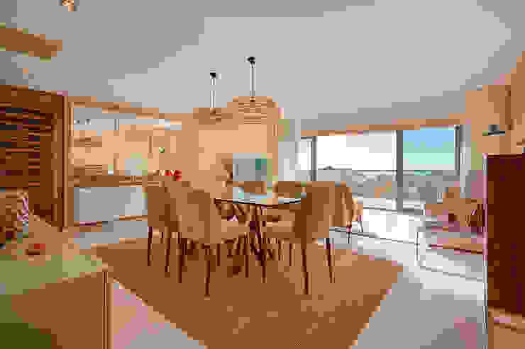 Sala de jantar - Apartamento T2 em Cascais - SHI Studio Interior Design ShiStudio Interior Design Salas de jantar tropicais