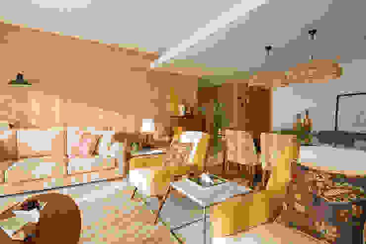 Sala - Apartamento T2 em Cascais - SHI Studio Interior Design ShiStudio Interior Design Sala de estarAcessórios e Decoração