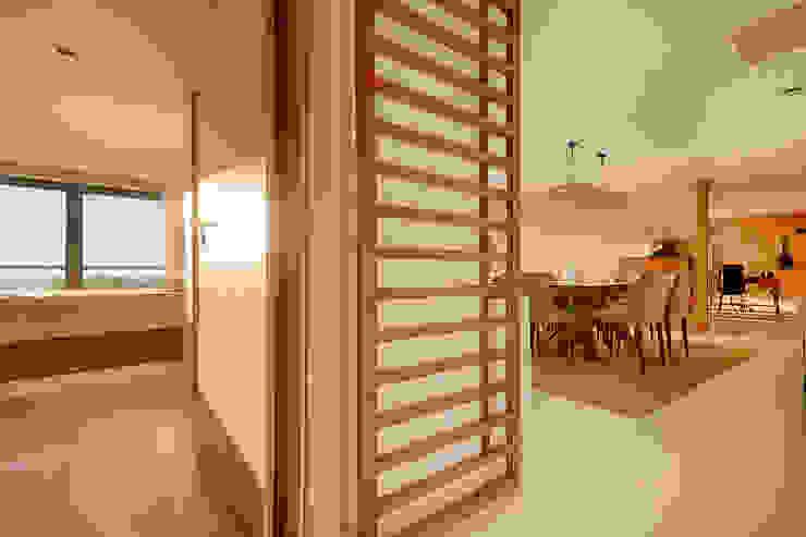 Hall - Sala - Apartamento T2 em Cascais - SHI Studio Interior Design ShiStudio Interior Design Sala de jantarAcessórios e decoração