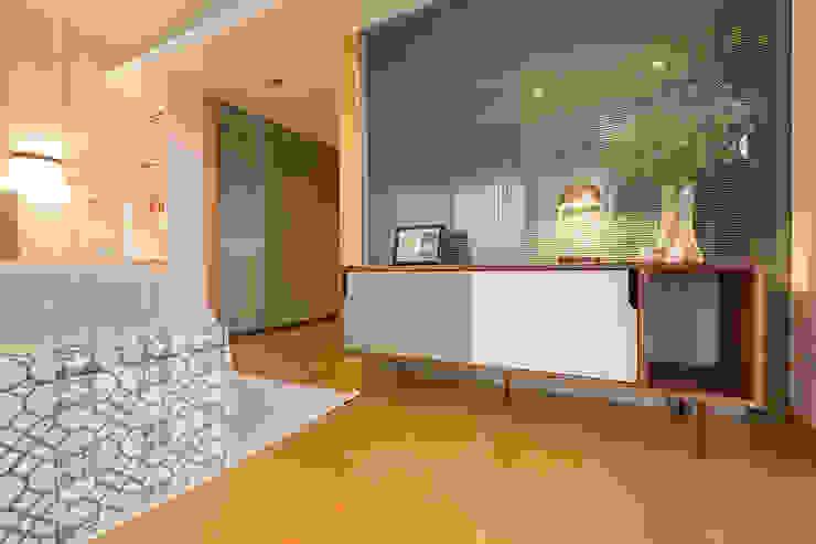 Aparador - Quarto casal - Apartamento T2 em Cascais - SHI Studio Interior Design ShiStudio Interior Design QuartoCómodas